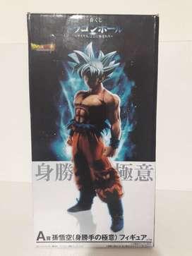 Goku Ultra Instinto (Figura)