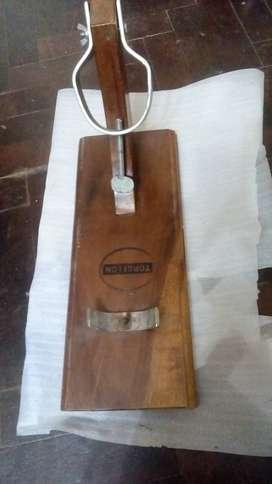 Soporte de madera para pata de jamon