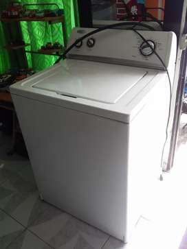 Lavadora Whirpol de perilla