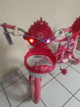 Bicicleta para niña aro 16 con canasta y parrilla