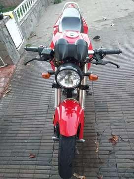 Vendo moto beta !!