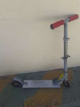 Monopatin Scooter
