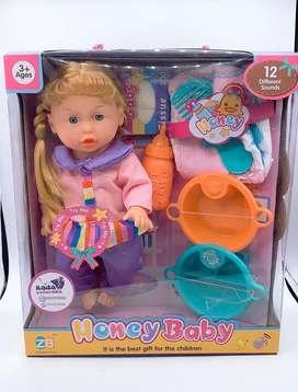 Muñeca que hace chichi y tiene pañal
