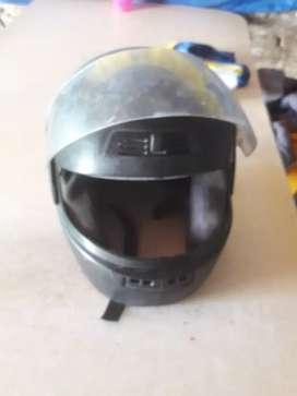 Casco de moto usado en buen estado