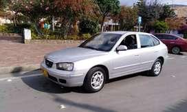 Vendo o permuto  excelente Hyundai Elantra 2001