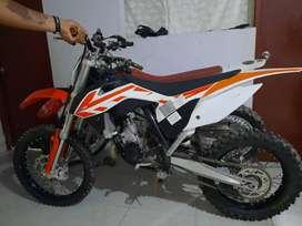 Moto KTM 85 sx seminueva (casi nada de uso)