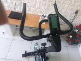 Bici de spinning fitland  nueva sin uso con factura de compra!!