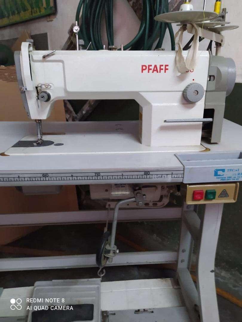 Maquina de coser Zoje