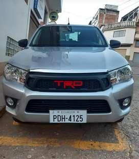 Vendo Camioneta Toyota Hilux 2019 con varios extras