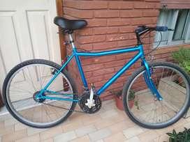 Bicicleta Rodado 26, muy poco uso siempre estuvo guardada bajo techo