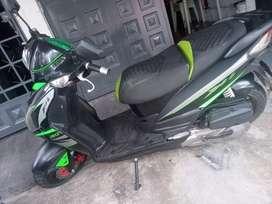 Vendo moto jeet 4 125 colombiana 2011 recien hecho mantenimiento buena de todo