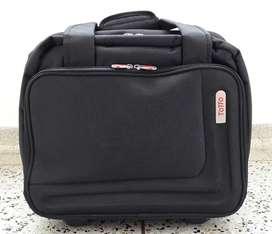 Maletín Totto P/laptop De Viajero Con Ruedas Nuevo 165.000