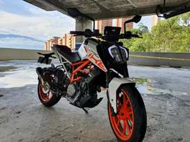 KTM DUKE 390 como nueva