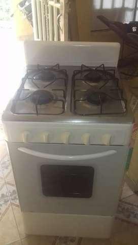Estufa 4 puestos de horno a gas