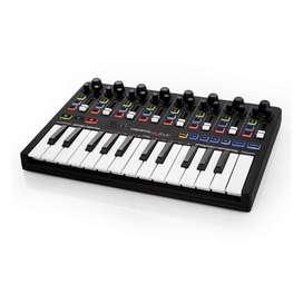 Controlador midi Reloop KEYFADR con teclado