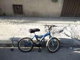 Se venden 2 bicicletas para niño