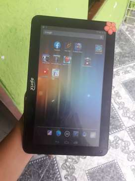 Tablet aprix de 8gb tiene plástico en pantalla aún