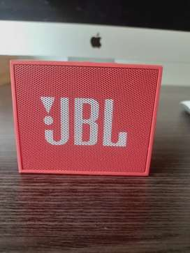 Bafle JBL rojo