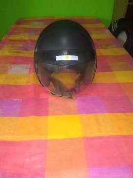 Casco para moto usado marca suomy