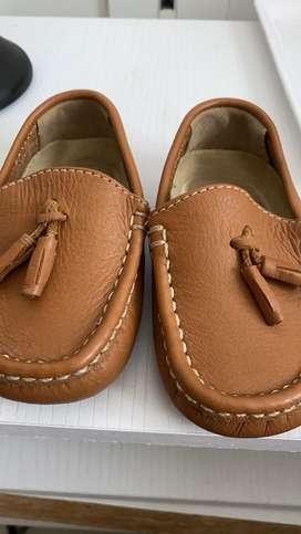 Zapatos de cuero tallla 20