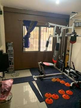 Maquina multifuncion para hacer ejercicio