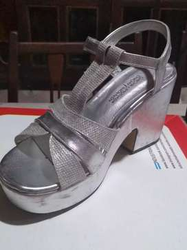 Zapatos en excelente estado