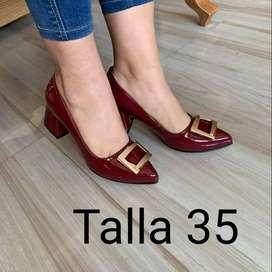 Bonitos zapatos en stock!