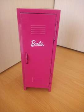 Barbie Vestidor Placard