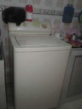 Vendo lavadora para repuestos