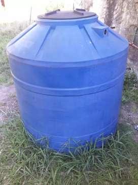 Tanque tricapa de 1100 litros