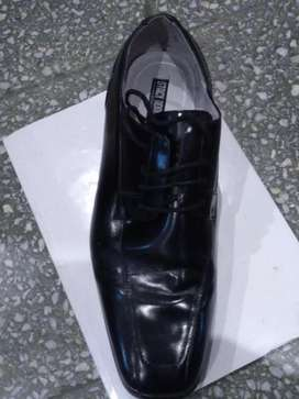 Zapato de vestir importado para hombre talle 45