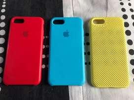 Vendo estos forros de iPhone 7 los tres fotos valor 30