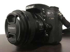 Nikon D7100 con lente 50mm en muy buen estado.