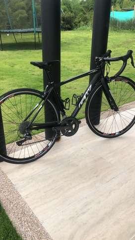 Se vende bicicleta de ruta talla xs