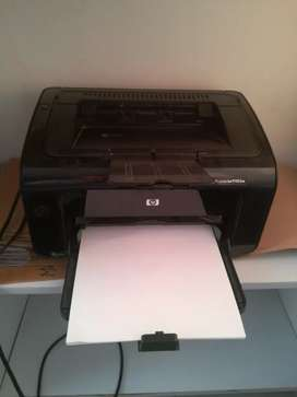 Impresora HP 1102 en excelente estado