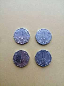 LOTE DE 4 MONEDAS POR $3000 MONEDA DE CHILE OCTOGONALES, POR 1 PESO CHILENO, 1999, 2006, 2008.