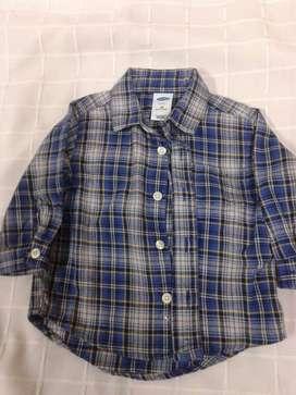 camisa OLD NAVY nene 6-12 manga larga
