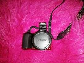 Vendo cámara NIKON L830