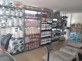 Venta de Distribuidora de productos de Aseo, Plásticos, Desechables y Alimentos para Mascotas