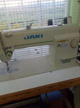 Maquina de coser Plana Jaki