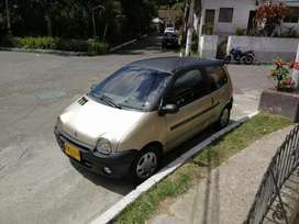 Renault Twingo 2002.