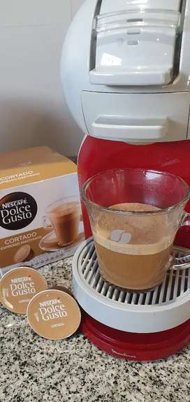 OFERTA Cafetera Nescafé Dolce Gusto Mini Me Roja