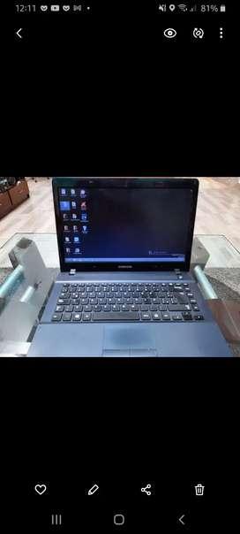 Vendo computador portatil Samsung.