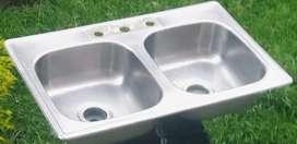 """Lavaplatos doble, usado, de buena calidad, en acero inox. Incluye canastillas 4"""" y una con adecuación extractor"""