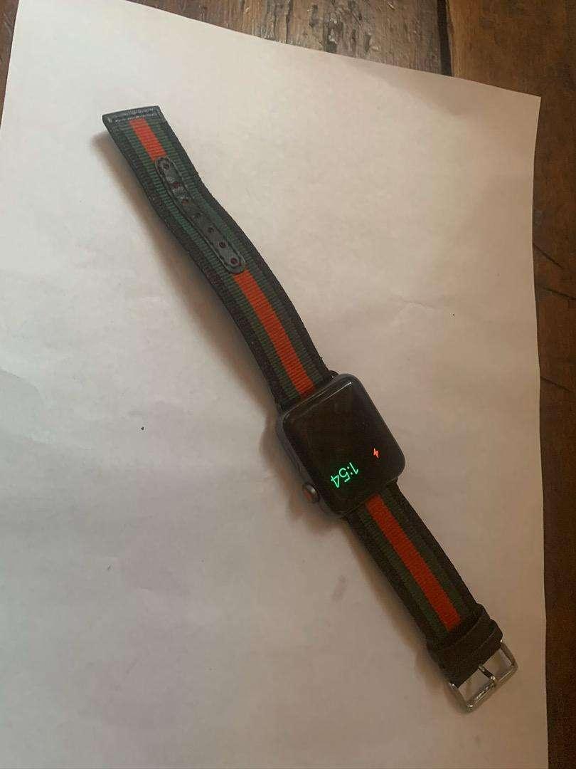 Apple watch serie 3 42mm nike 0