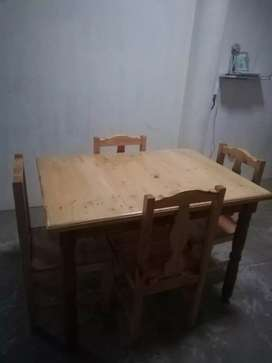 Mesa com 4 sillas