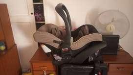 Se vende silla bebe para el carro