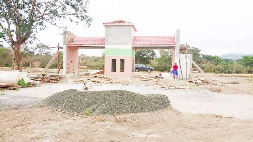 Terrenos cerca a Puerto Lopez, Lotes Urbanizados con Piscinas, Canchas, Areas Bbq, Puerto Cayo, SD1 0