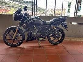 Se vende moto apache 180 modelo 2015