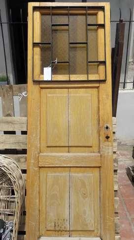 Puerta madra masiza con vidrio